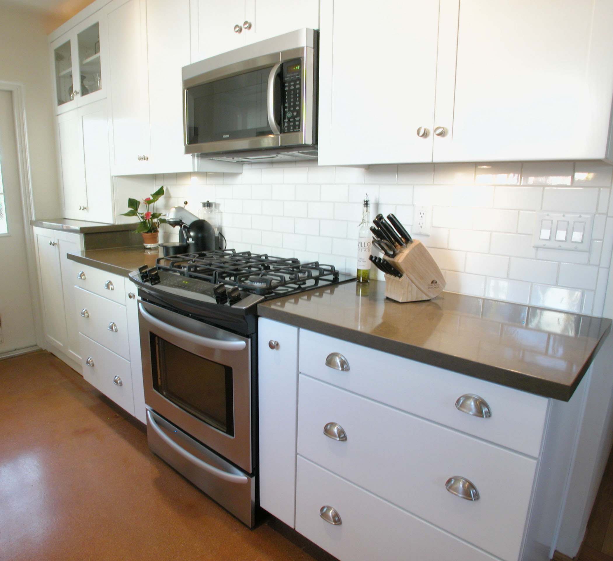 The Best Countertops for Kitchen Cabinets Interior Taste to Go with White Cabinet